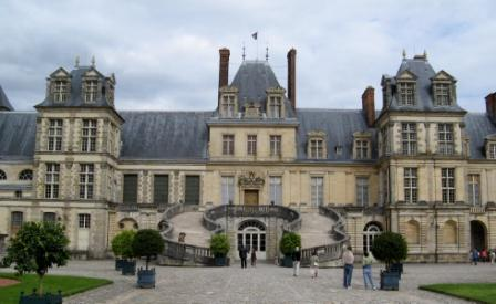 Fontainebleau , façade.